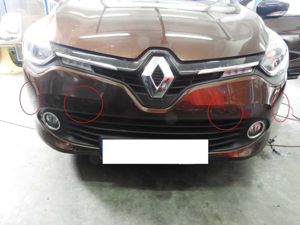Czujniki parkowania na przód marki Amervox w Renault Clio