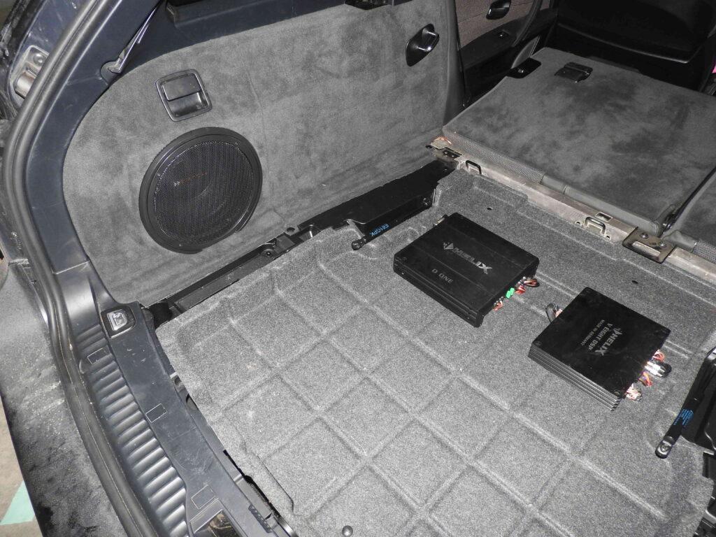 BMW e61 - Fit-box i wzmacniacza z DSP