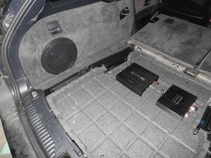 BMW e61 - Fit-box i wzmacniacze