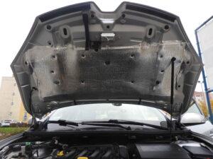Renault Megane III - wygłuszenie maski