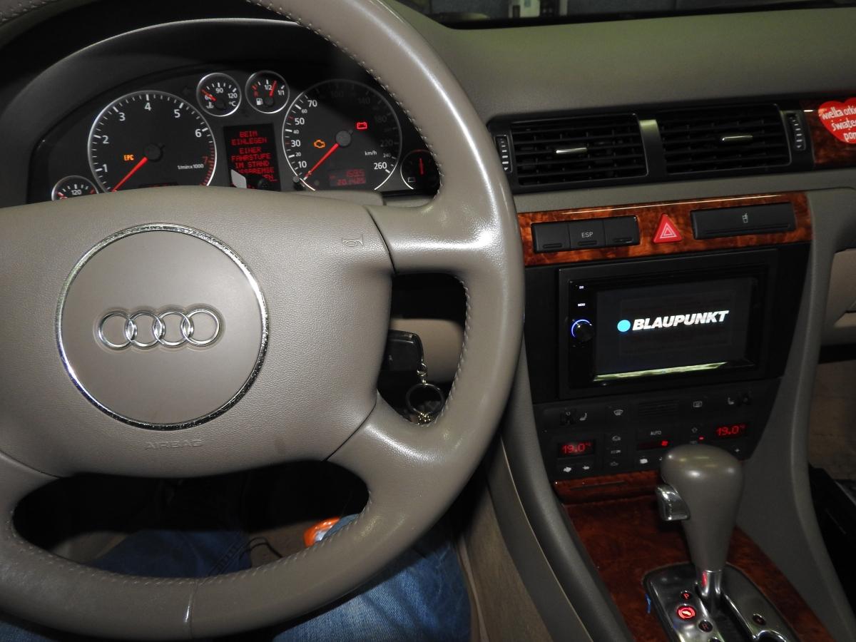 Audi A6 - Blaupunkt Santa Cruze 370