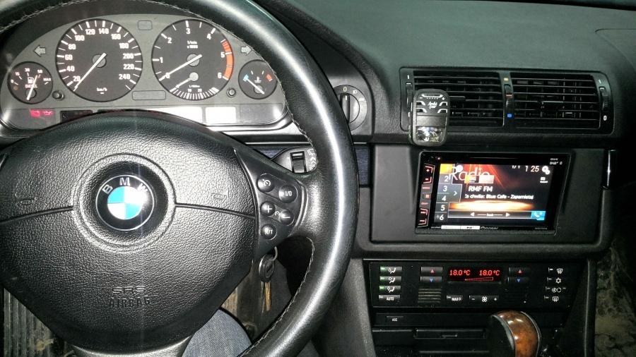 BMW 5 E39 - Pioneer
