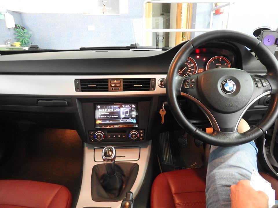 BMW E46 300d - Pioneer Avic F80DAB
