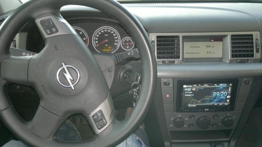Opel Vectra - Pioneer