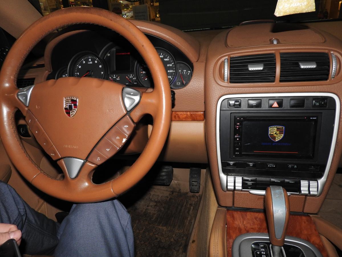 Porsche Cayenne - GMS 6618