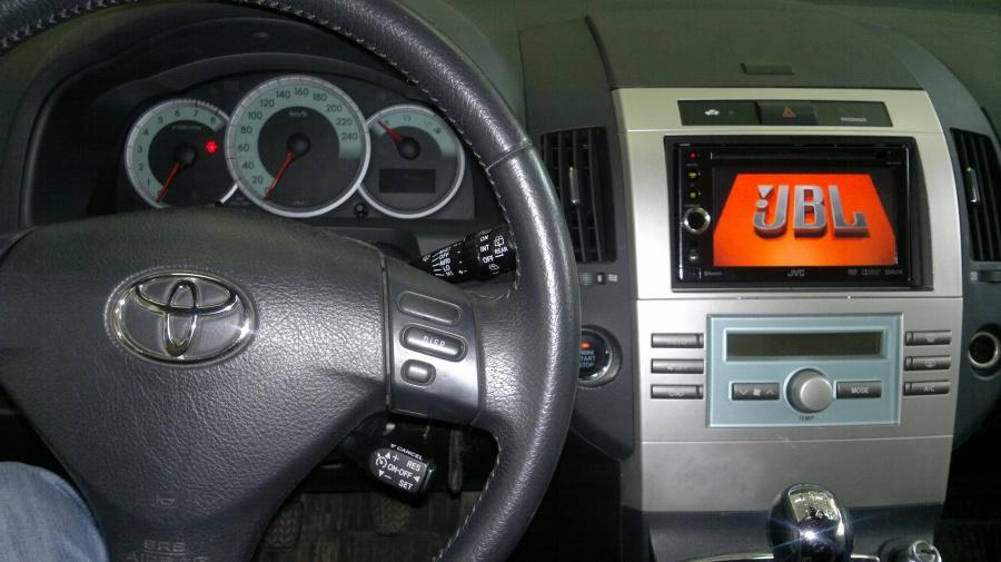 Toyota Corolla Verso - JVC