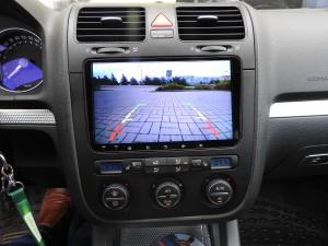 Golf SR32 - widok z kamery na 9-calowym ekranie