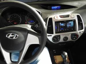 Hyundai i20 - Pioneer DMH-A3000DAB